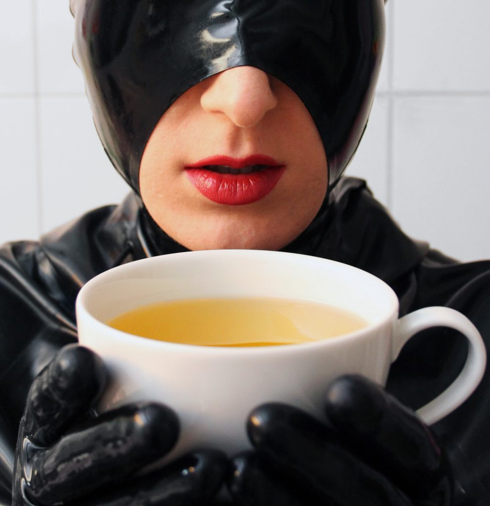 LatexKitty_With_Teacup